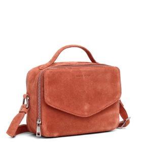 Sælger denne Daniel Silfen taske, da jeg ikke får den brugt. Rigtig god stand, næsten ikke brugt. Np: 900 Kan mødes I Kbh og ellers sendes