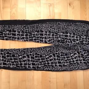 Helt nye bukser. Ny pris 1599,-