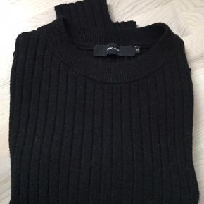 Sweater i 52% viscose