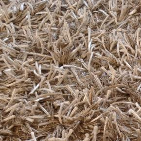 Mærke: Linie Design  Model: Ronaldo Sand Wool Shag Rug Mål: 200 x 300cm 60% polyester 40% New Zealand Virgin wool and hand-woven  Ny pris: 6600kr Vi bor i Charlottenlund i en høj stue, så det er rigtigt nemt at hentes. Ingen pletter, kan godt brug en vask.