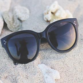 Super fine solbriller. Audrey modellen. :-)