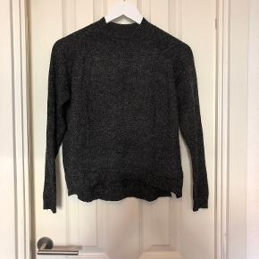 Message sweater