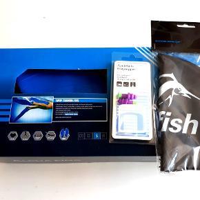 Splinternyt svømmeudstyr: Alpha Fins svømmefødder i str.s,(svarer til str 38-40)  swimfish badehætte og apotekets ørepropper. Alt i uåbnet emballage.