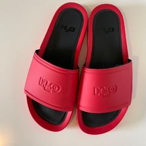 Ubrugte sandaler....  Bytter ikke.... Prisen er fast... Køber betaler fragt....