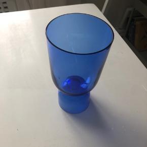 Sælger denne da farven ikke passer ind i mit hjem. Aldrig brugt