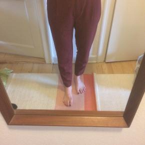 Bukserne er aldrig brugt, da de desværre er for store. Fitter en normal str 38. 🌸