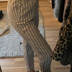 Sælger de her søde bukser, da de ikke bliver brugt.