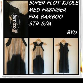Super flot kjole med frønser fra bamboo str s/m nyt