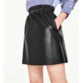 Super fed pu nederdel fra ZARA ☺️ brugt meget få gange