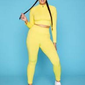 TALA leggings STR small i gul sælges da de er blevet for små