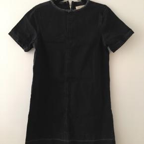 Cowboy kjole i sort.