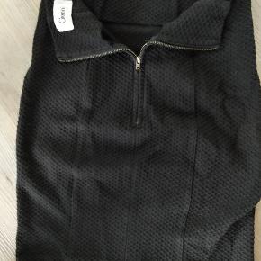GANNI nederdel i sort str m. Er lille i størrelsen