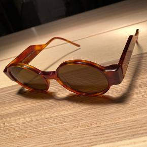 Kaibosh briller. Itu i medfølger.   Unisex