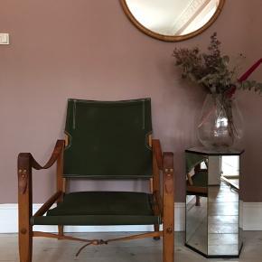 Safari stol af Kaare Klint. Stolen er i god stand.