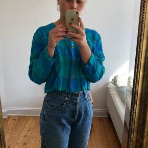 Sjov 80'er skjorte i hør, tror jeg