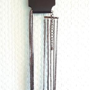 New Glitter necklace - original price dkk 199.
