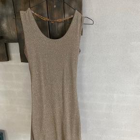 Super fin kjole fra Buch brugt 1-2 gange