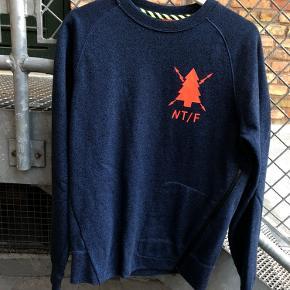 Sælger denne Purpose tour t-shirt som er købt i storm. Sælges da den blot samler støv. Størrelsen er medium :)  Str: medium Cond 9/10