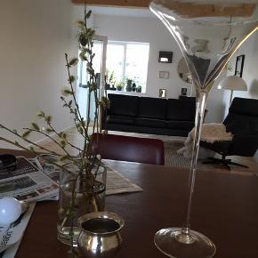 Flot ældre glas  50 cm høj  God til dekoration / isterninger eller fyrfads lys 🍸