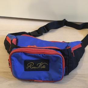 Vintage bæltetaske med 5 lynlås-rum.