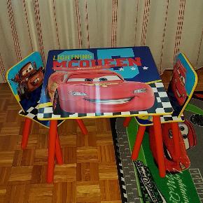 table et chaises pour enfant