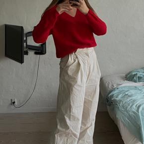 Fin sweater, som jeg ikke får brugt nok! Kan også passes af en medium ✨