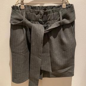 Aldrig brugt smart Ganni nederdel med bælte