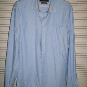 Brand: Jack og Jones Varetype: Skjorte Størrelse: Medium Farve: Lyseblå Oprindelig købspris: 400 kr.  Fin skjorte fra Jack og Jones. Brugt få gange. Bytter ikke:-)  Se også alle mine andre annoncer;-)