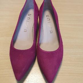 Unisa heels