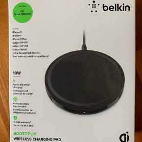 Belkin trådløs lader 10 w til iPhone 8, X, Xs, Samsung S8 og S9 mv. Får den ikke brugt da jeg har anden type lader til både tlf og ur. Nypris 399 kr