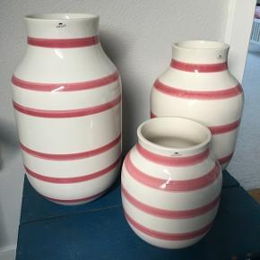 BYDSælger her 3 stk Kähler vaser i størrelserne 21 cm, 31 cm, 37 cm. vaserne har kun stået til pynt.