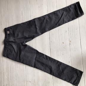 Str 32x32 carhartt bukser 💫