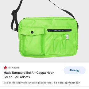 Mads Nørgaard anden accessory