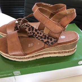 Remonte sandaler