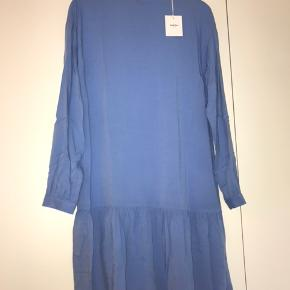 Ubrugt kjole fra Moss Copenhagen i xs/s 💙😁