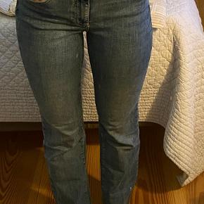 meget behagelige jeans fra Vero moda aldrig brugt.  str. 34/S  nypris:300kr  BYD gerne