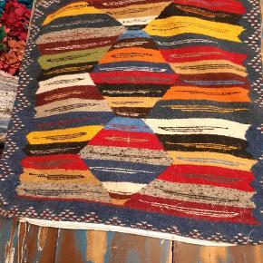 Håndlavet vævet pude  Måler 55x55cm Aldrig brugt