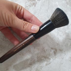 Pure collection 184 flat cut brush