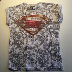 Print er slidt, Størrelse S, DC, Superman,