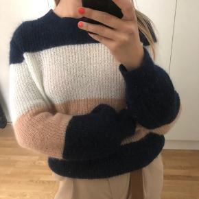 Rue de Femme sweater
