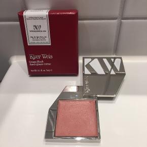 Kjær Weis makeup