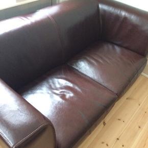 En sofa fra Ikea, som  stadigvæk er brugbar. Gives væk