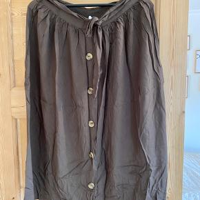 Fin nederdel som jeg aldrig fik brugt mere end en gang før jeg voksede ud af den