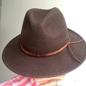 PARFOIS Hat & hue, Næsten som ny. Indre By - PARFOIS Hat & hue, Indre By. Næsten som ny, Brugt og vasket et par gange men uden mærker eller skader