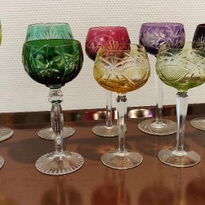 Flotte Rømer vinglas i bøhmisk krystal. Ingen skader. Højde mellem 17-20 cm Prisen er pr stk 😊