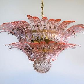 Smukkeste vintage Murano lampe 💕🌸   Sender gerne flere billeder og mål ved interesse 🥰   Sender gerne pris inkl fragt. 💌