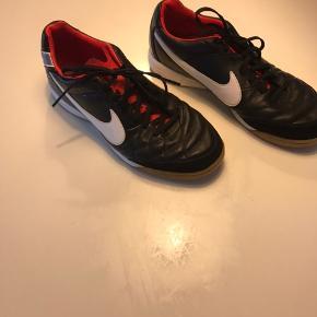 Nike indendørs fodboldsko