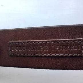 Lækkert bælte i brunt læder. Str. 90. Bredde 3,7 cm.  Enkelte meget små ridser.
