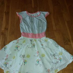 Sød kjole i fin facon
