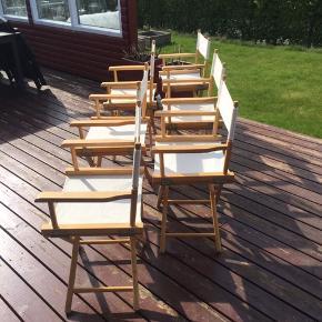 6 smukke instruktørstole fra Indonesien. Sæde + ryglæn er i kraftigt stof, kan tages af og skiftes hvis lyster. Er netop rengjorte, vasket og strøget.  Kan klappes sammen, når de ikke er i brug.